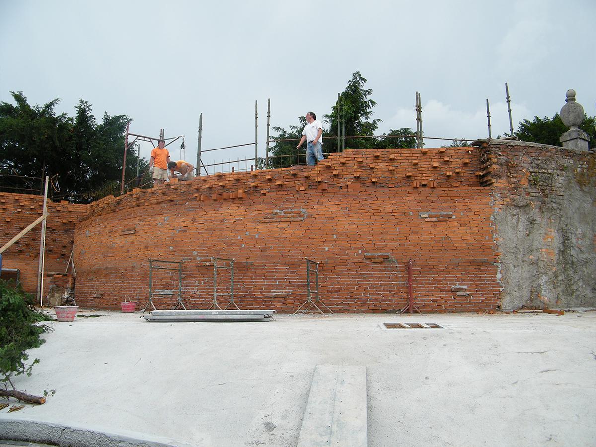 Csc ristrutturazione muro antico durante
